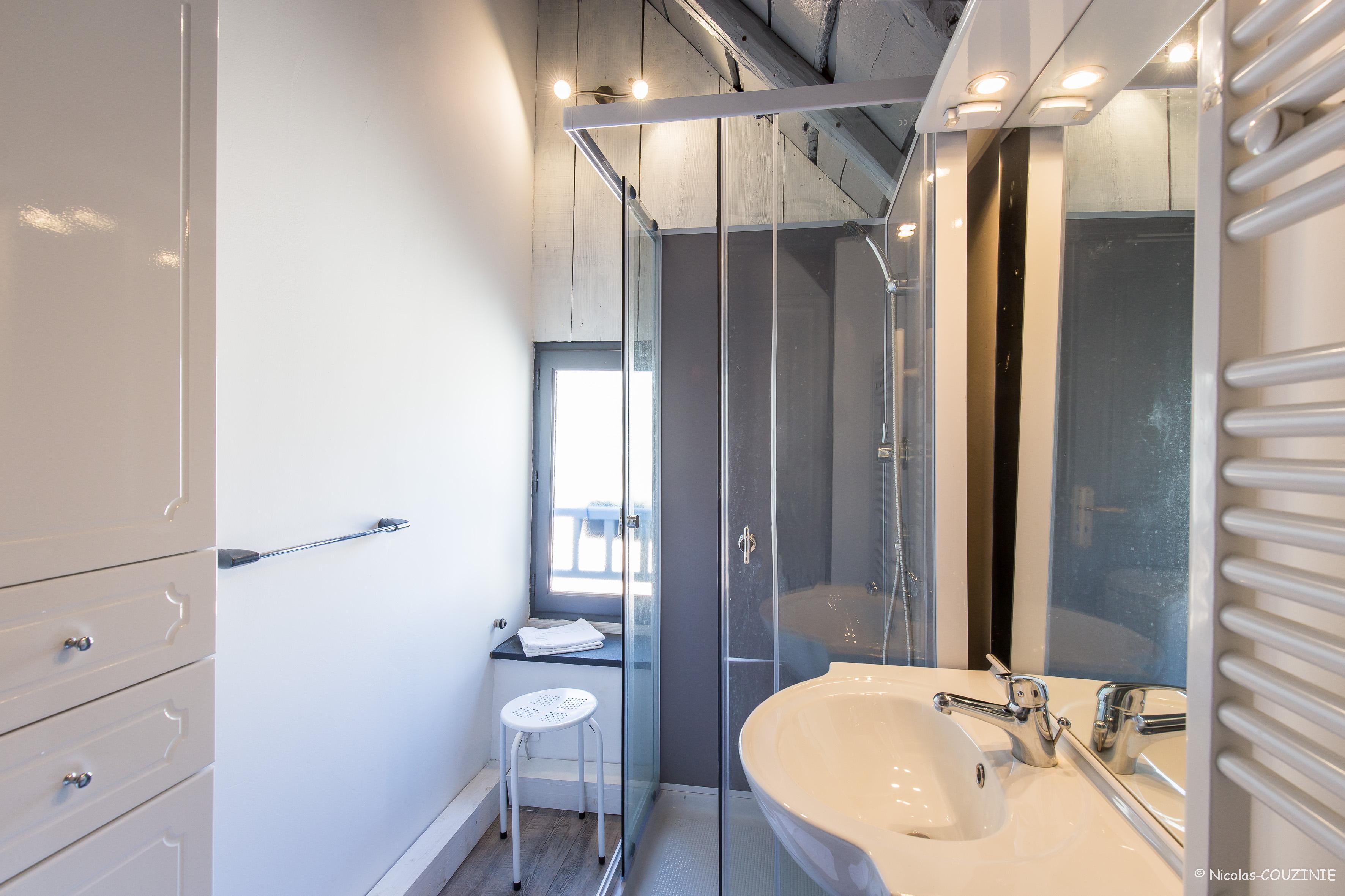 salle de bain gite de Jeanne