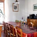 la salle à manger, lieu de convivialité à la maison du Rabada